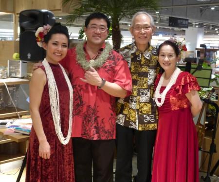 ハワイが大好きな4人です♪